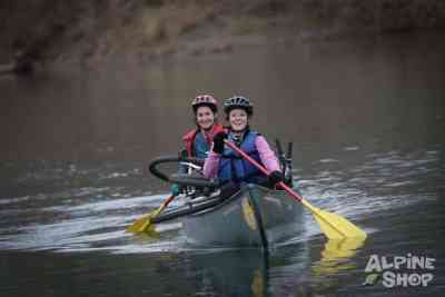 Team Dirty Dames tackles the Meramec River