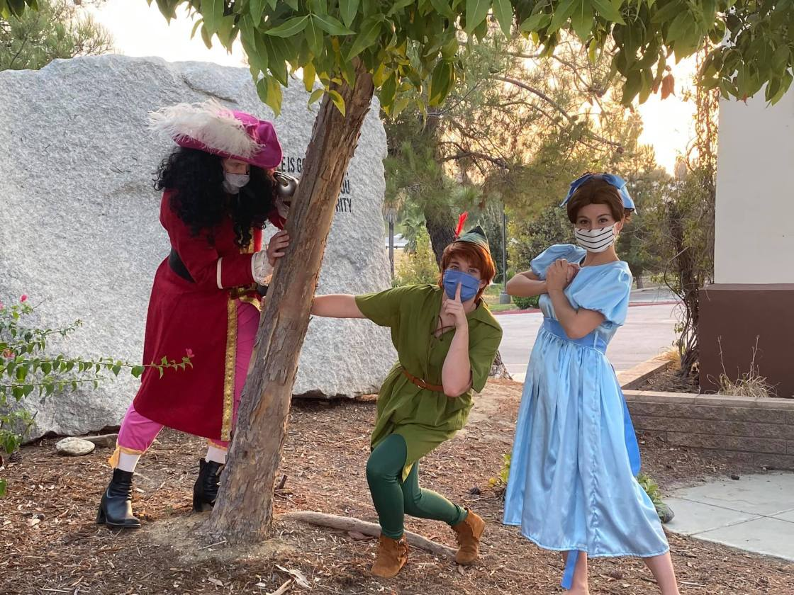 Peter Pan characters at a Mansion Memories event