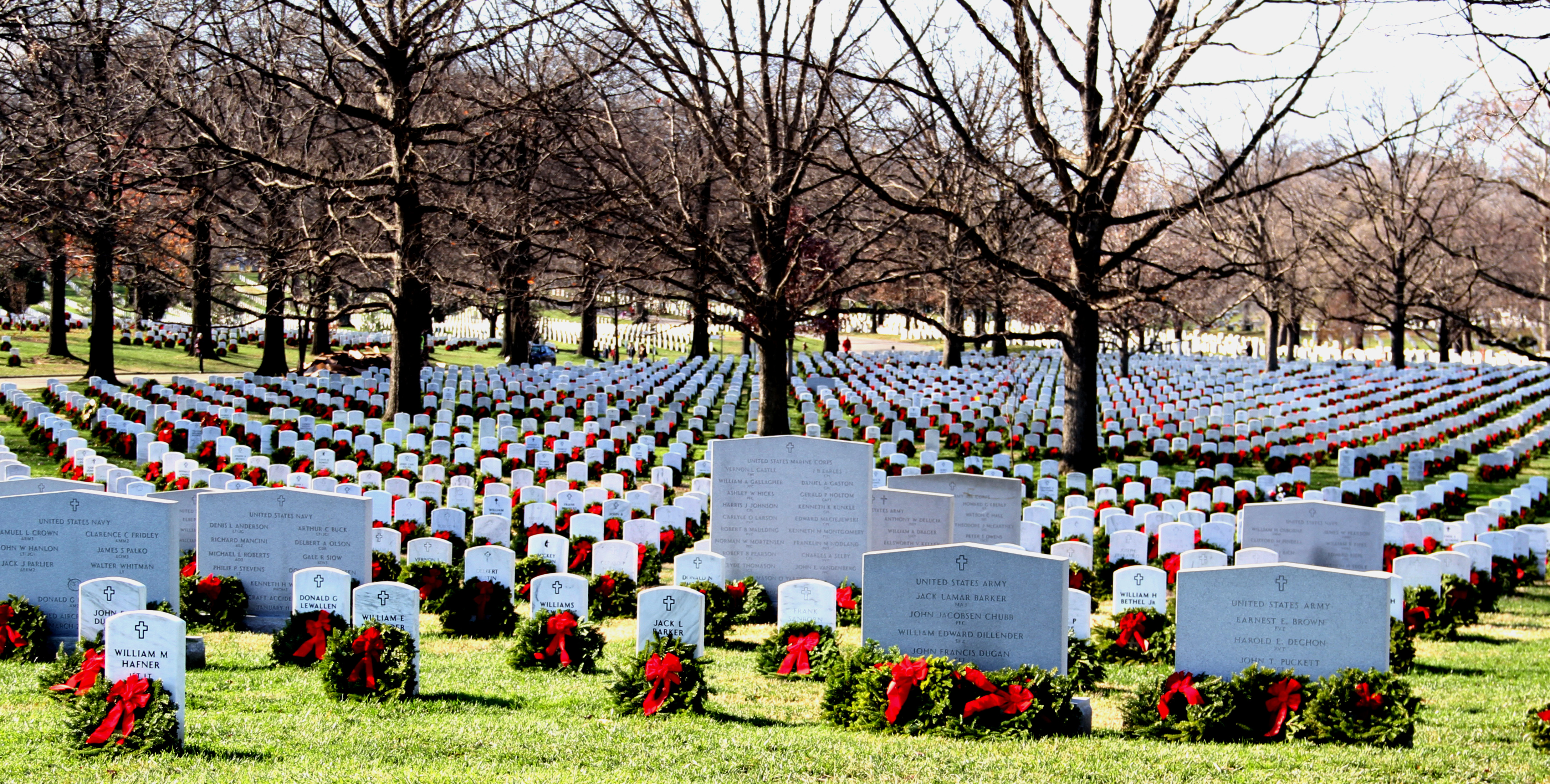 Arlington National Cemetery Christmas Tradition Continues