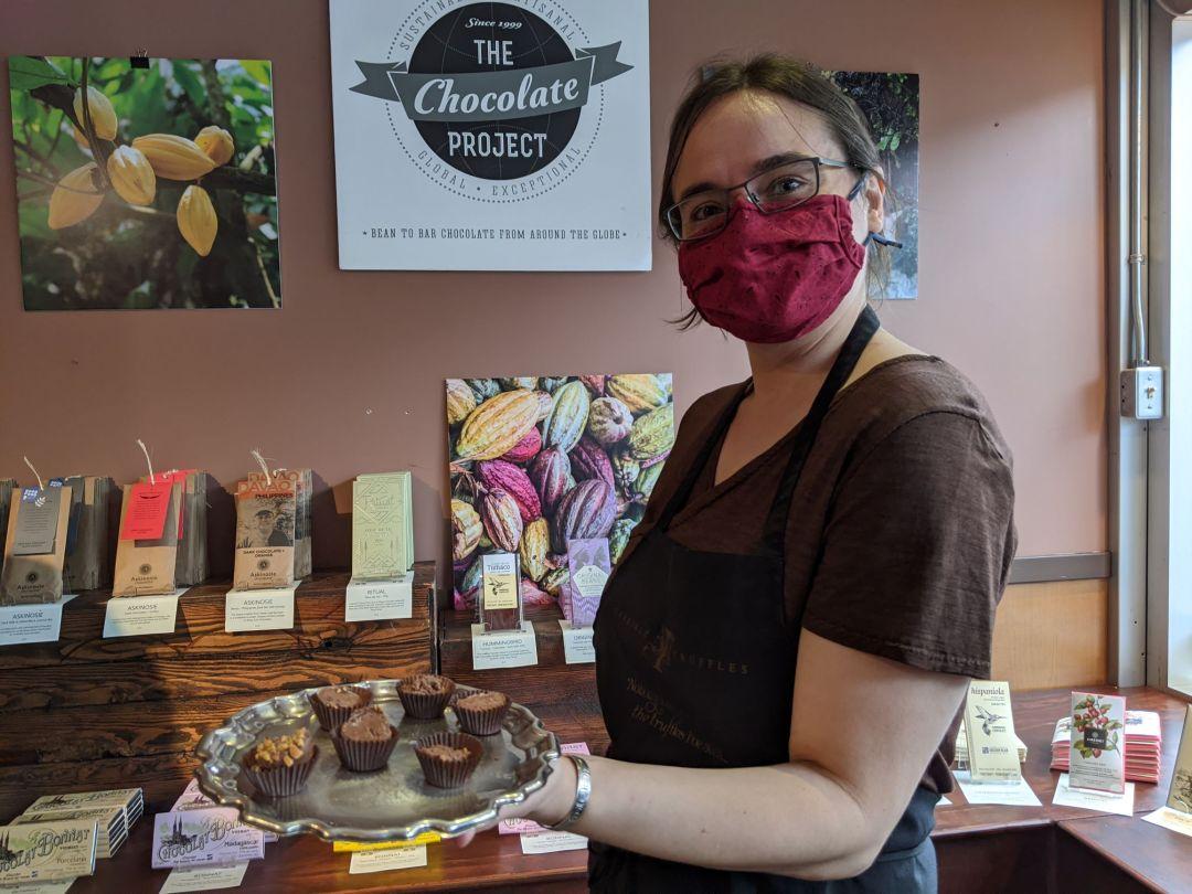 Women wearing mask in store
