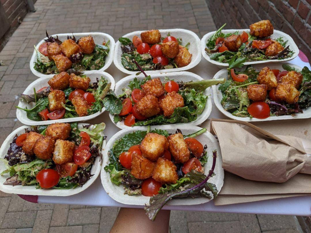 yalla halloumi salad