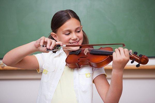 Violin student Meadowlark Music Program
