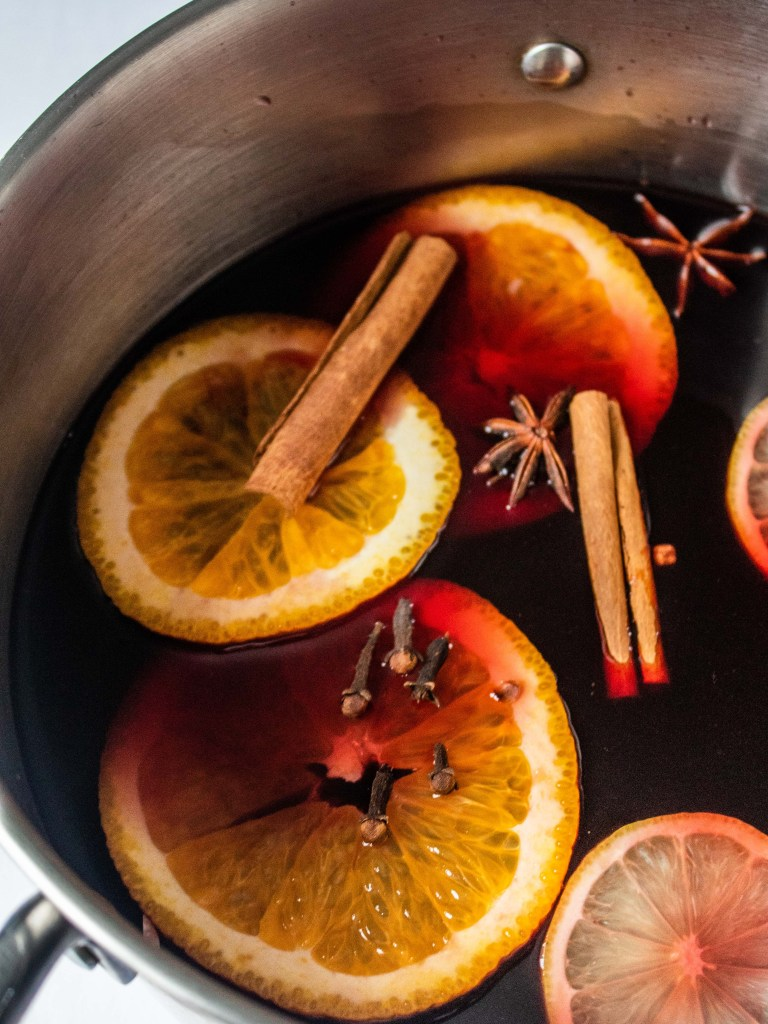 Holiday Mulled wine Ingredients