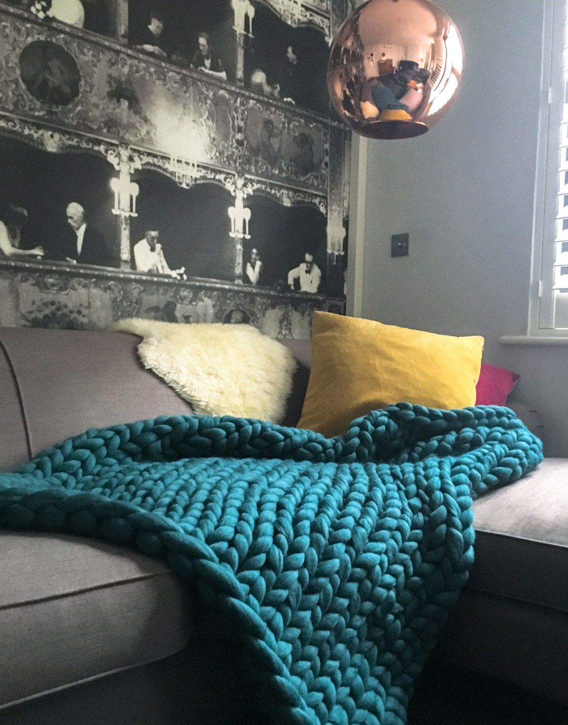 off_the_wool_giant_knit_blanket_teal3