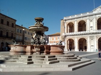 The piazza della Madonna.