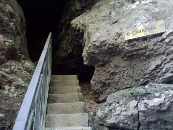 Pradis caves 4