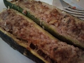 Zucchine con carne al forno, zucchine filled with meat
