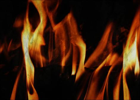 magia com o elemento fogo