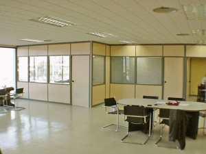 Montaje dise o y fabricaci n de mamparas de oficinas en for Mamparas de oficina madrid