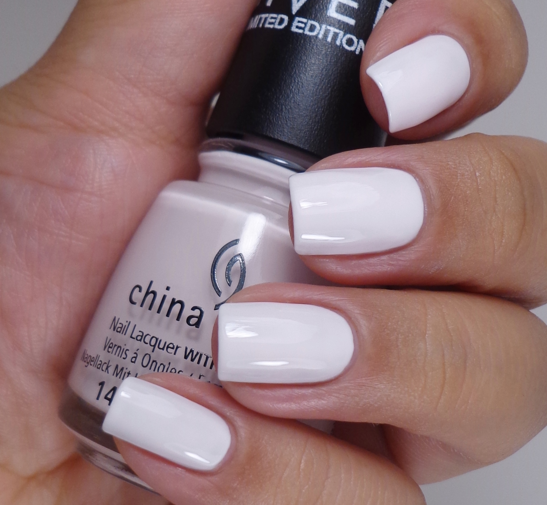 China Glaze Friends Forever, Right 2