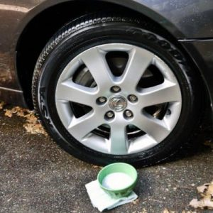 Make your tires shine and sparkle baby! Use baking soda, dish soap and warm waterto get your tires and hubcaps to shine like new again.