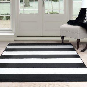 How glam is this area rug? I love this!