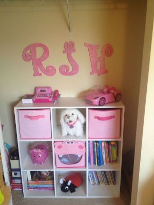 I love this cube organizer for the girl's bedroom. Repin for later!