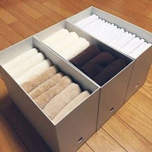 Japanese folding style to save space. Looks really neat! Repin!