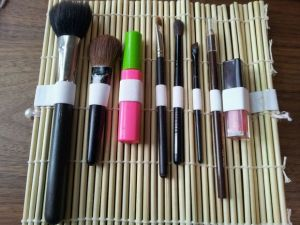 sushi mat diy makeup organizer - 15 Cheap and Easy Ways to Organize Your Makeup in a Small Bathroom