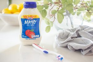 After dusting your indoor plants, rub mayonnaise on the leaves to boost their shine.