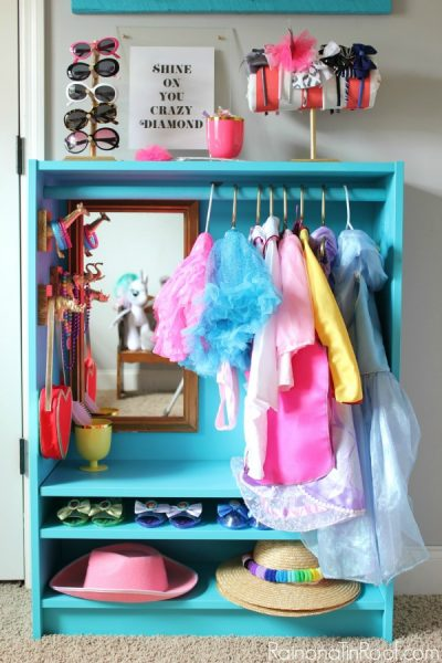 Create a dress up closet for your little girls room!