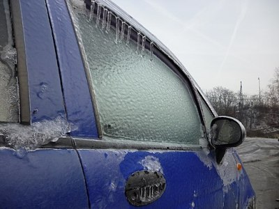 Keep your car windows and doors from freezing overnight with these simple hacks