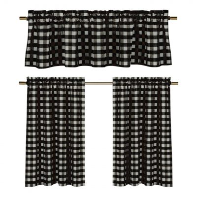 Would love to see these gingham curtains in my kitchen! Absolutely lovely!