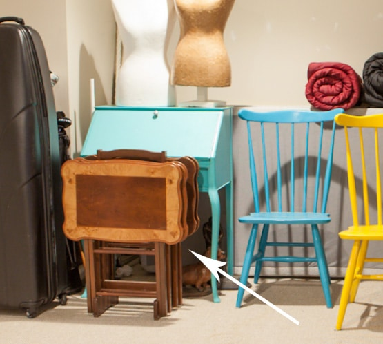 tv trays - 10 Simple Thrift Store Makeover Ideas You'll Want to Steal