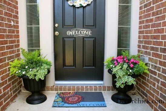 welcome stencil front door - 7 Cheap and Easy DIY Porch Decor Ideas for Summer