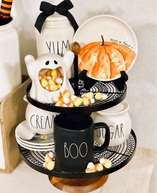 halloween tiered tray decor 12 - 19 Fabulous Halloween Tiered Tray Decor Ideas