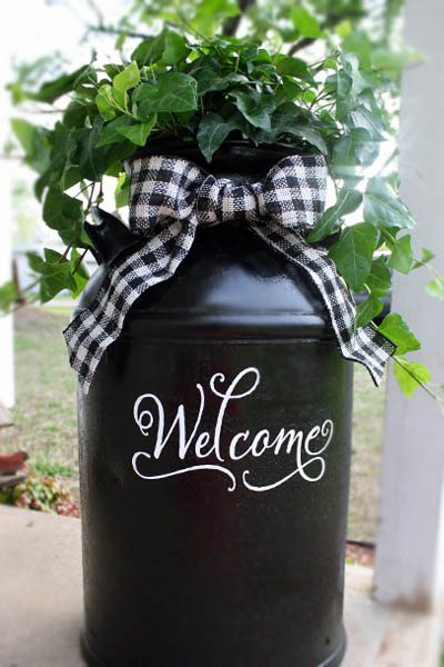 milk can diy front porch decor - 18 Cheap and Easy DIY Rustic Farmhouse Home Decor Ideas