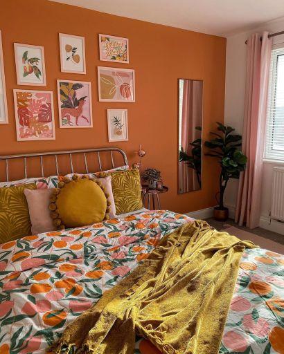 Peach decor bedroom