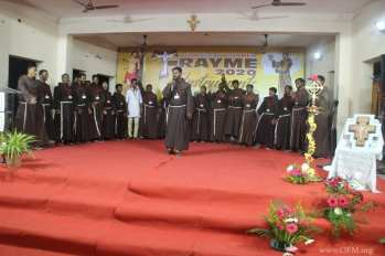 9.Young Franciscans introduce themselves