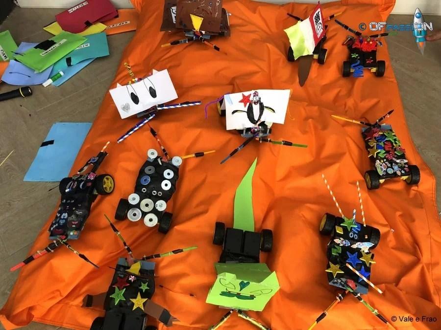 robotica educativa costruire robot con valeria e francesco creatività fantasia pennarello