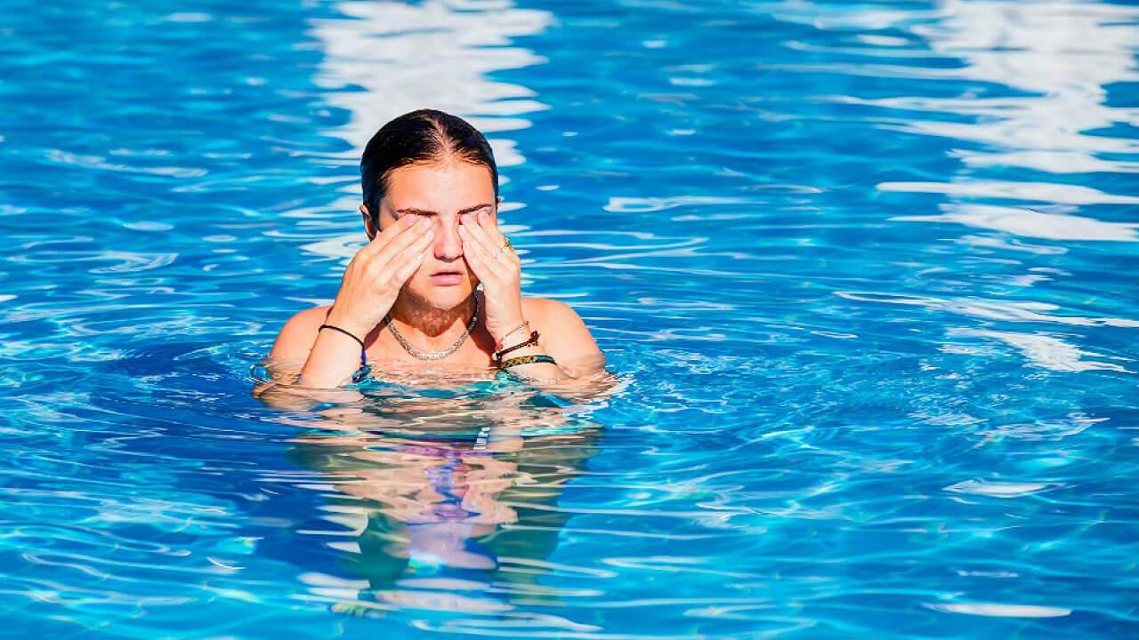 ¡Cuidado! Nuestros ojos podrían ser los más afectados en las piscinas