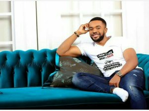 PRESIDENT BUHARI SIGNS A MULTI~MILLION NAIRA DEAL WITH NOLLYWOOD ACTOR~ WILLIAMS UCHEMBA