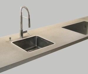 OGGI-Beton: Wohnen mit Betonmöbeln – Küchenarbeitsplatte