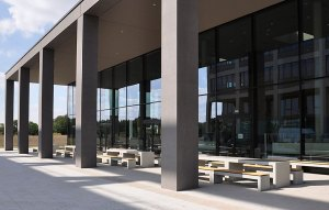 OGGI-Beton: Betonmöbel Tisch und Bank San Vito