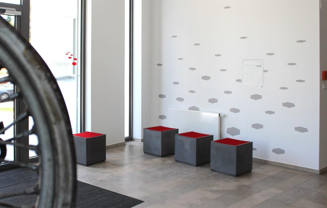 OGGI-Beton: Brandschutzmöbel, Sitzwürfel