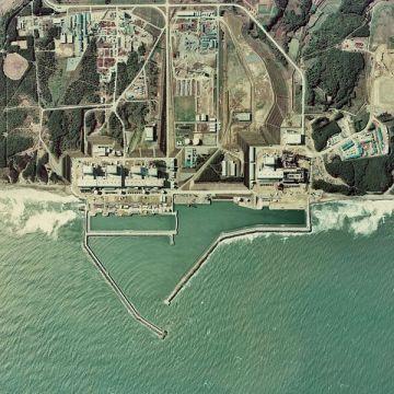 600px-Fukushima_I_NPP_1975