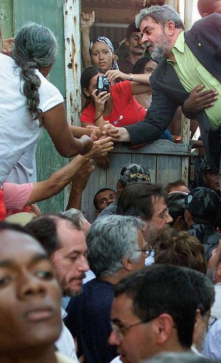Muitos moradores ainda lembram de Lula como o presidente que tirou seus pais e avós da fome, mas agora seu nome aparece ligado também à corrupção. Foto: Givaldo Barbosa