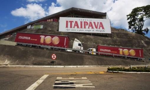 Resultado de imagem para Cervejaria Petrópolis lava jato