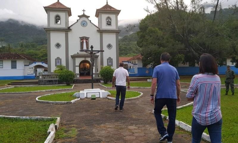 Presidente eleito chega participa de missa Foto: Divulgação