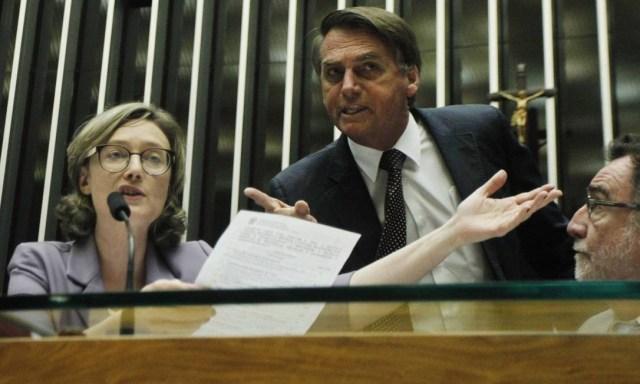 Em 2014, Bolsonaro disse à deputada Maria do Rosário que ela não merecia ser estuprada porque ele a considerava