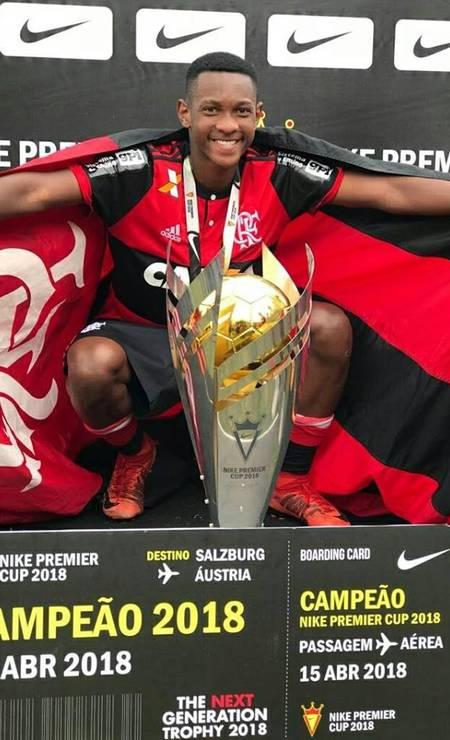 Jorge Eduardo foi campeão em 2018 com a equipe sub-15 do Flamengo Foto: Reprodução