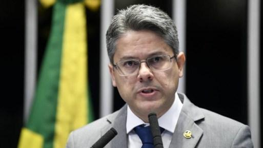 O senador Alessandro Vieira (PPS-SE) durante discurso na tribuna do Senado Foto: Pedro França / Pedro França/Agência Senado