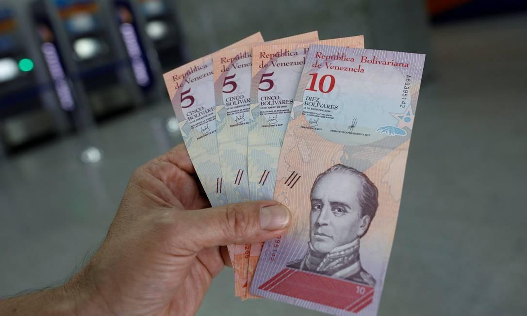 xNota cedula bolivar.jpg.pagespeed.ic.ynvCveN1i6 - 250 MIL BOLÍVARES: Após aumento de 66%, salário mínimo na Venezuela equivale a R$ 15