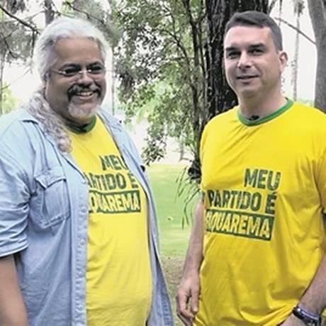 Flávio e Márcio Motta , que levava Queiroz para a Região dos Lagos Foto: Reprodução