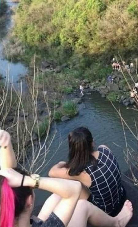As amigas compartilharam fotos da cachoeira minutos antes de acidente Foto: Reprodução