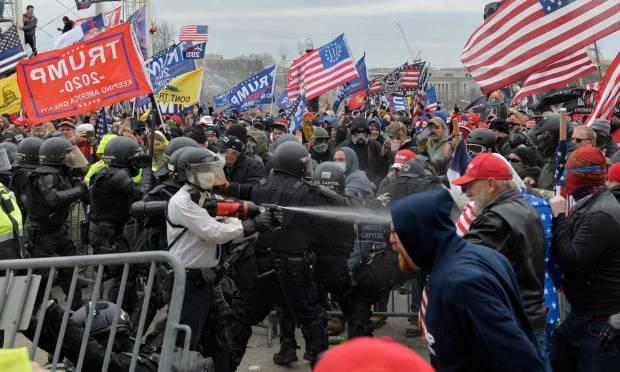Pro-Trump protesters clash with police in front of Congress in Washington, DC Photo: JOSEPH PREZIOSO / AFP