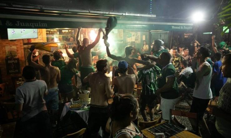 Na final da Libertadores, palmeirenses lotaram bares do Rio Foto: Brenno Carvalho