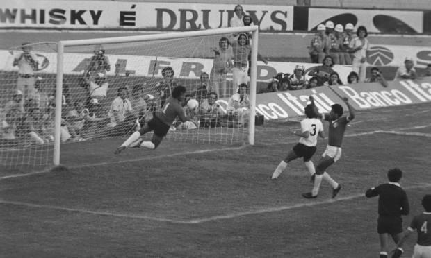 7th - INTERNATIONAL (1976) - In the decision, Colocado passed Corinthians, in Beira-Rio.  Photo: Archive/O Globo