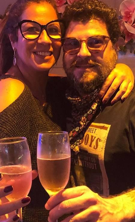 Sérgio José com a namorada, a cantora Carla Daniel Foto: Instagram / Reprodução