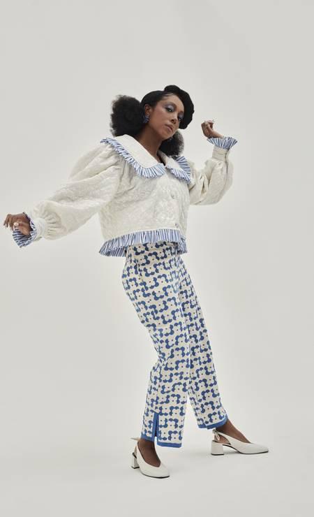 Paula Rondon shirt, Cris Barros pants, Alix earrings, Alme shoes Photo: Gabriel Marques / Gabriel Marques